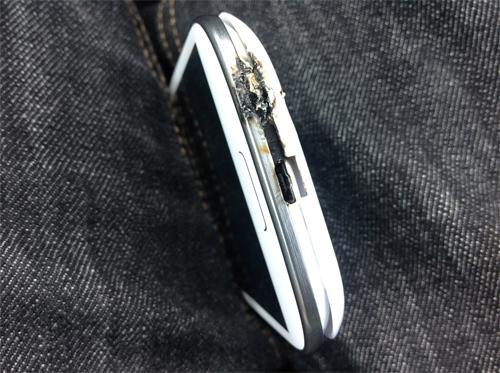 Samsung Galaxy S III Blockbuster Suddenly Exploded! 5