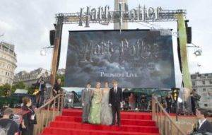 Harry Potter Part 2 Premieres Make the Track End [Movie Review] 1