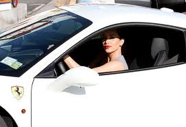 Kim Kardashian, rides in style!