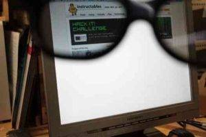 Amazing Glasses to Read Private Data on LCD at Public Places