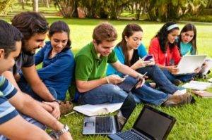Research: Students Studying in Smartphones More Often