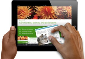 """Apple Sold 350,000 of """"Digital Textbook"""" in Three Days"""
