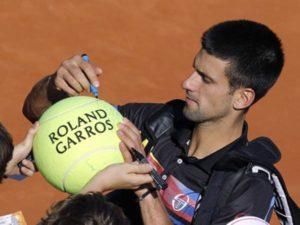 Djokovic Out to Conquer Roland Garros