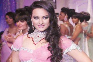 Sonakshi Sinha Prefers the Dating Older Men! 1