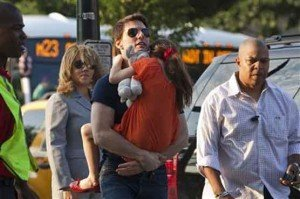 After Holmes Split, Tom Cruise Meet His Daughter on New York Street 3