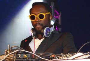 Will.i.am Turn the iPhone 5 Camera into 14 Megapixel SLR  1