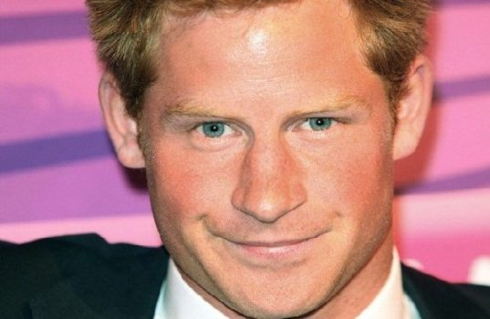 Prince Harry Want To Make Lady Diana Proud With Aids Charity Work 7