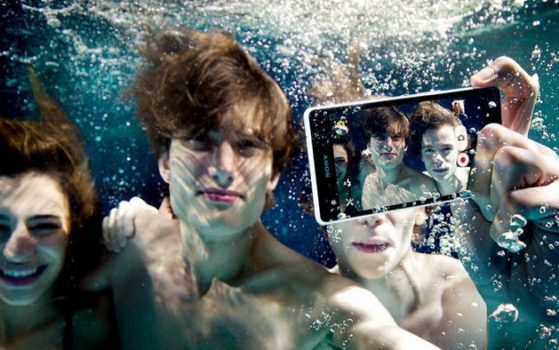 New Sony Xperia ZR will Shoot Full HD-video and 13 Megapixel photos Under Water 2